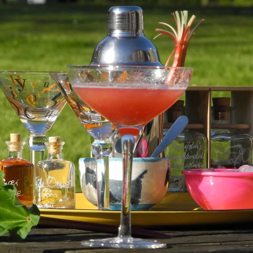 Royal Rhubarb and Ginger Cosmopolitan Royal Wedding ...